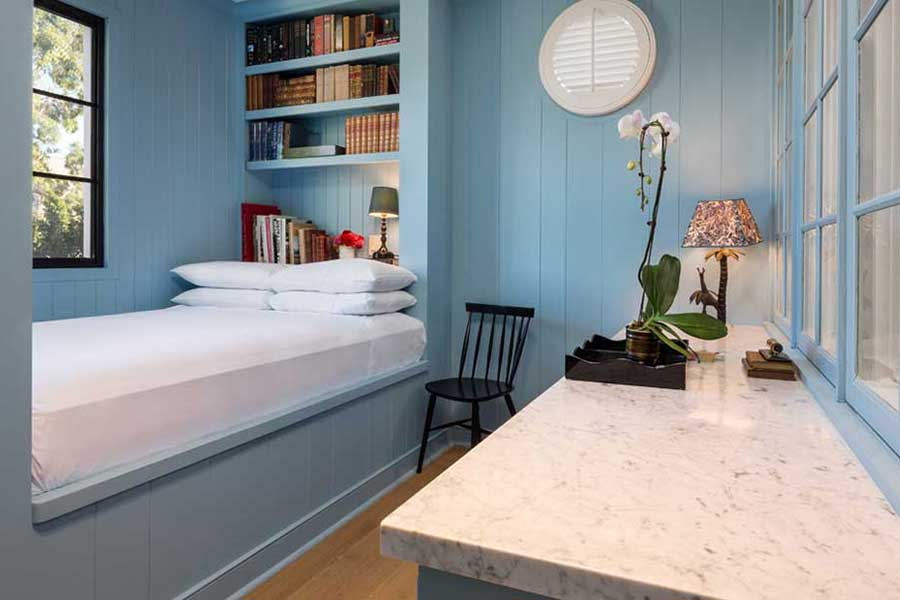 850-hotel-carriage-room