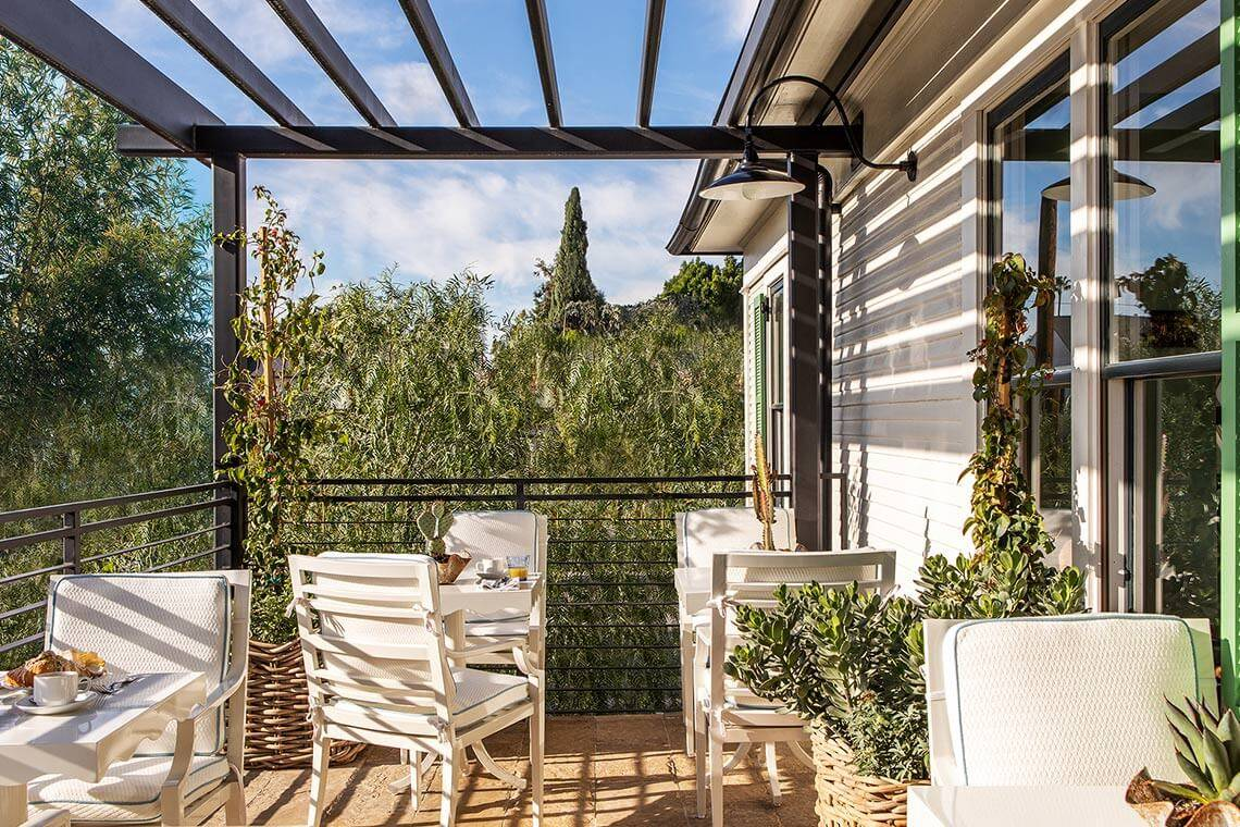 850_hotel_west_hollywood_patio